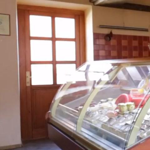 Statek Horní Dvorce: farmářská prodejna
